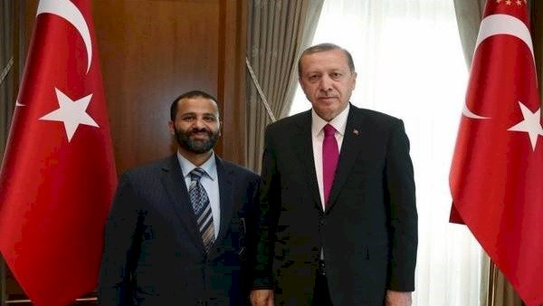 صبي أردوغان في اليمن.. من هو القيادي الإخواني حميد الأحمر
