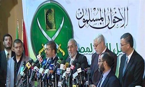 عقب السقوط الأكبر في مصر.. تقارير دولية: انشقاقات