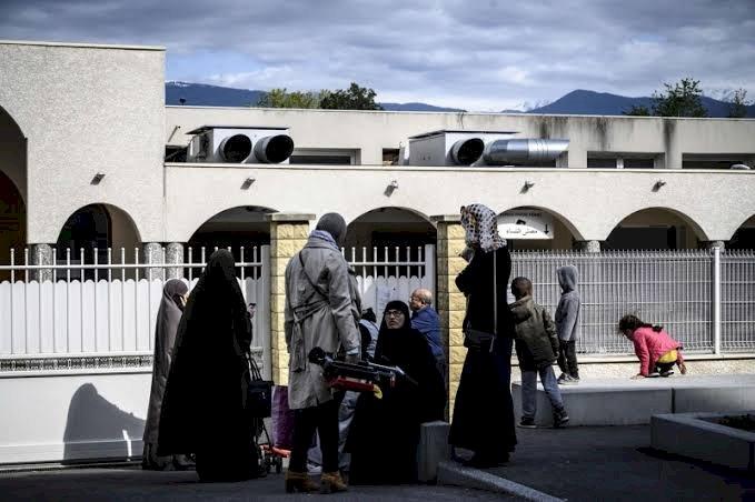 تقرير بريطاني: تمويل قطر للمدارس والمساجد الدنماركية