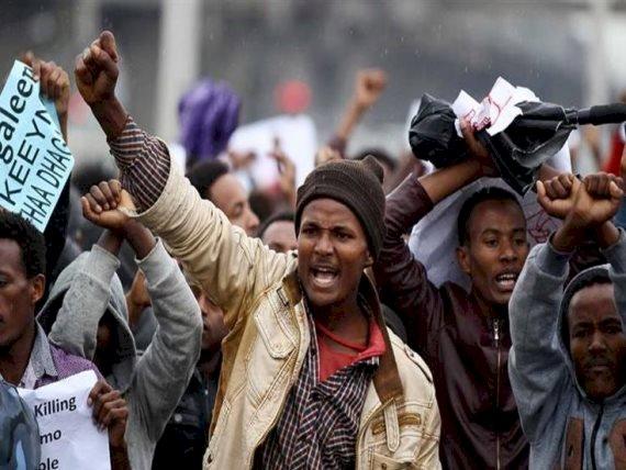 احتجاجات حاشدة تضرب إثيوبيا بعد مقتل مطرب ثوري
