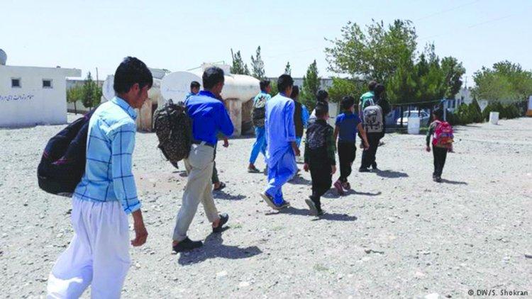 قتل واضطهاد.. اللاجئون الأفغان في إيران يعيشون أسوأ أيامهم