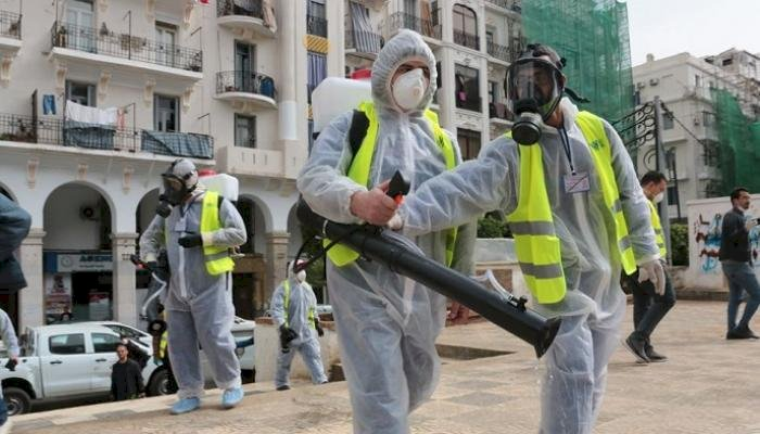 القطاع الطبي الجزائري يتداعى... الأطباء يستغيثون: فقدنا السيطرة