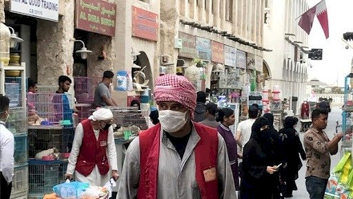قطريون متخوفون من