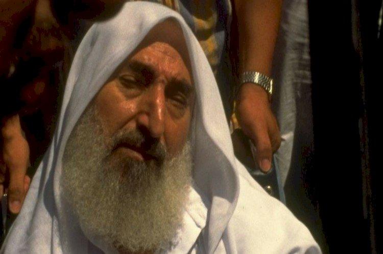 الشيخ أحمد ياسين.. حكاية مؤسس جماعة إرهابية حلتها فرنسا