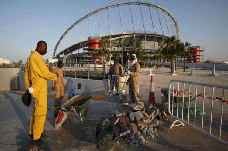 في قطر فقط .. طلب الإجازة يقابله الضرب بالرصاص الحي