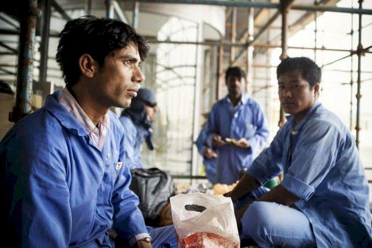 قطر تصدم العالم بمعدلات وفيات غير مسبوقة بين صفوف العمال المهاجرين