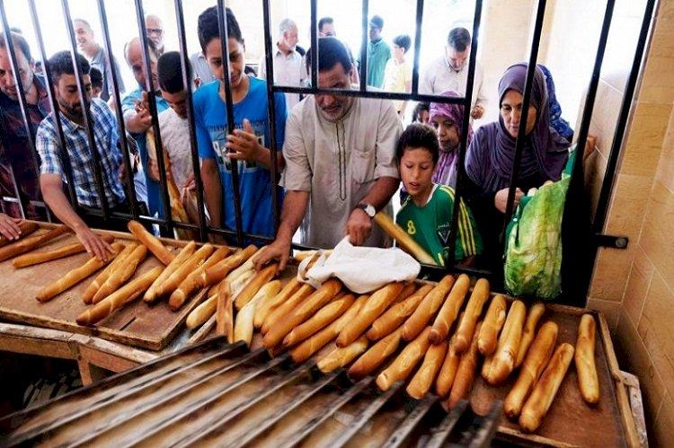 ثورة الخبز في ليبيا.. كيف يعيش المواطنون في صراع السراج والكبير؟