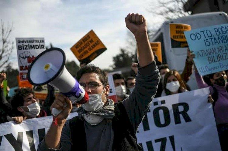 هيومن رايتس واتش تحذر من وحشية رجال أردوغان مع طلاب بوغازيتشي