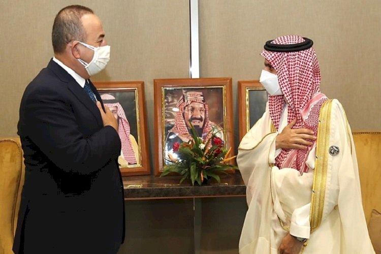 أبرزها العلاقات الاقتصادية.. ما دلالات زيارة وزير الخارجية التركي للسعودية؟