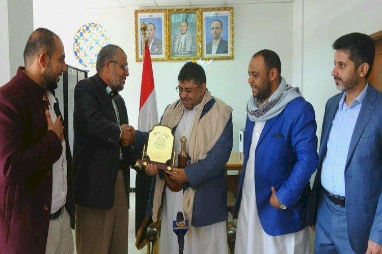 تطبيع جديد.. لقاءات وهدايا تكشف التقارب الحوثي مع حماس