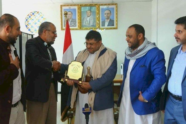 بعد انكشاف علاقتهما.. حماس والحوثي بين سرقة التبرعات وإراقة الدم العربي