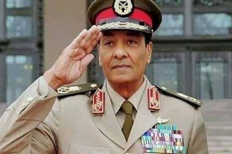 أبرز المحطات في حياة وزير دفاع مصر الأسبق المشير طنطاوي