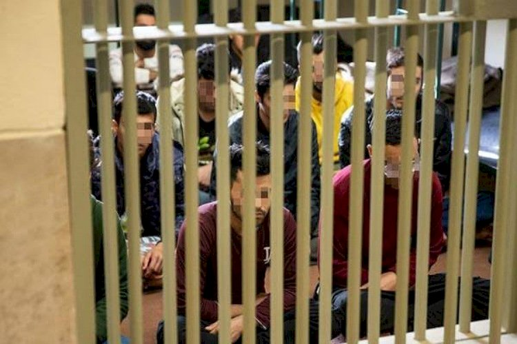 بعد اعتقال مغني الراب صالحي.. أرقام تكشف حقيقة الوضع داخل السجون الإيرانية